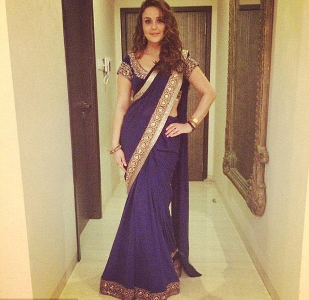 3132dd6a19 Preity Zinta Looks Beautiful In This Desi Outfit! – SimplyAmina