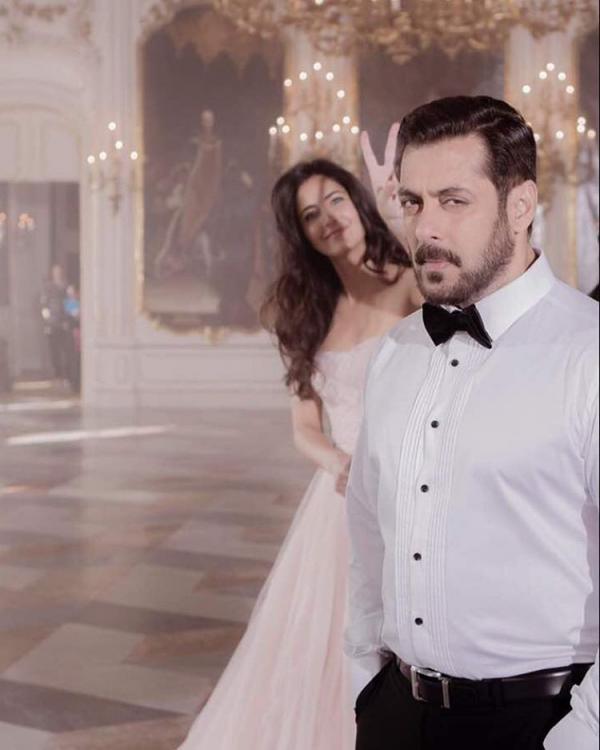 Bollywood Styles – Page 164 – SimplyAmina