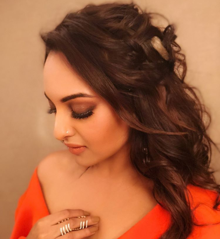 sonakshi sinha just proved orange is the new black she definitely